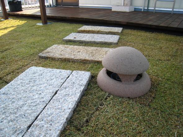 床の低いウッドデッキ/福井市K様邸