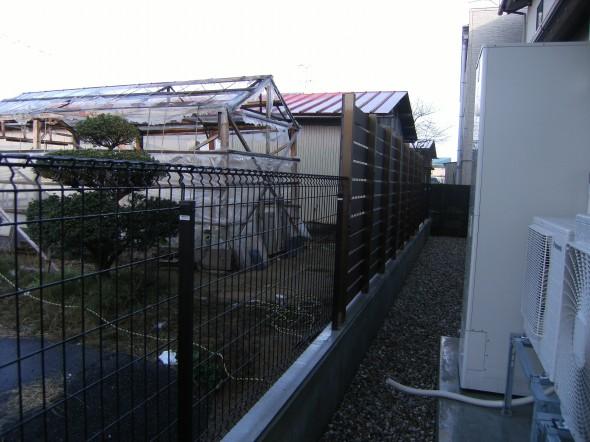 2種類のフェンスを組み合わせ/福井市N様邸