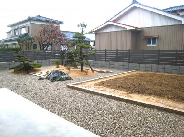 延べ石縁取りで菜園スペース/坂井市H様邸