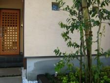 玄関脇のシンボルツリー/福井市N様邸