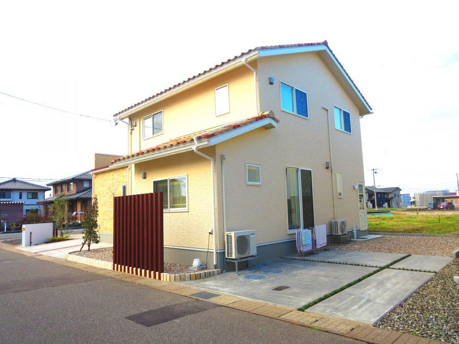 角地のオープンガーデン 福井市N様邸