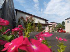 季節の花を楽しむ空間 福井市S医院様